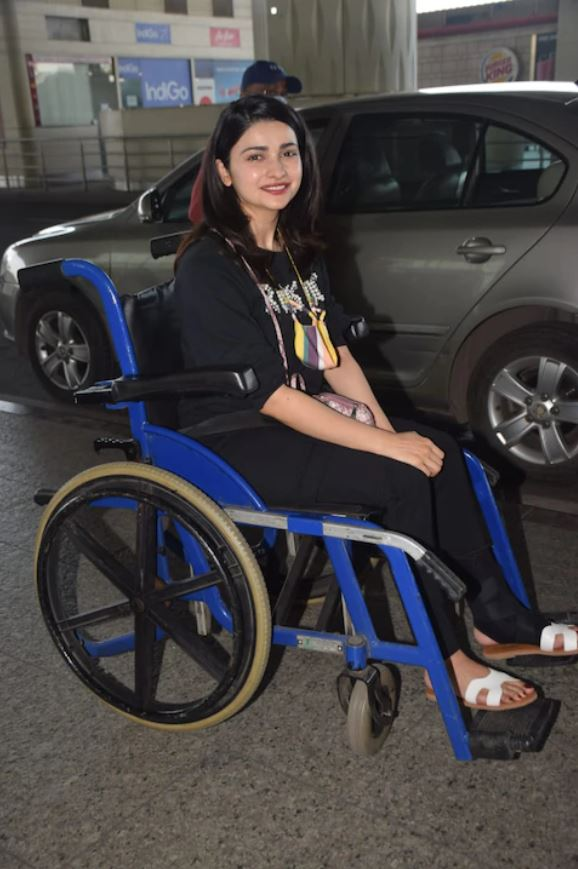 Prachi Desai was shot on wheel chair, see pictures