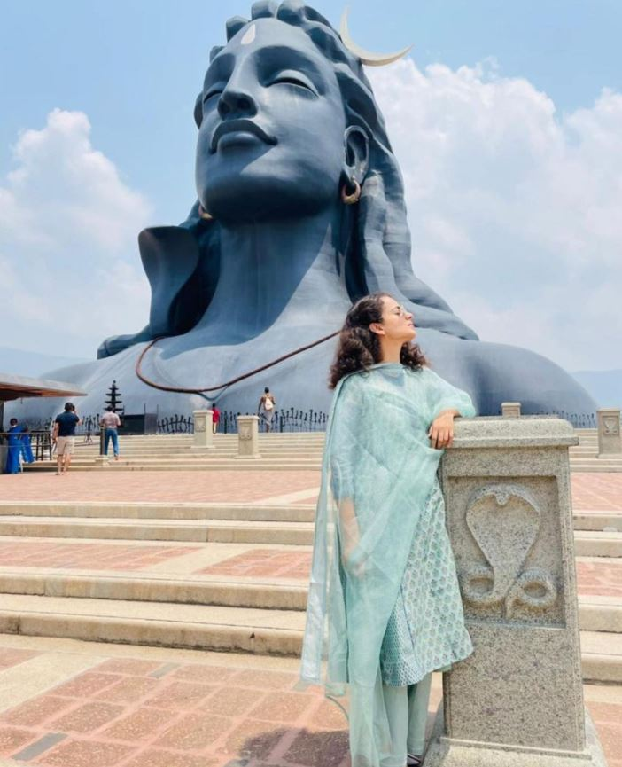 Kangana Ranaut became a devotee, these pictures went viral