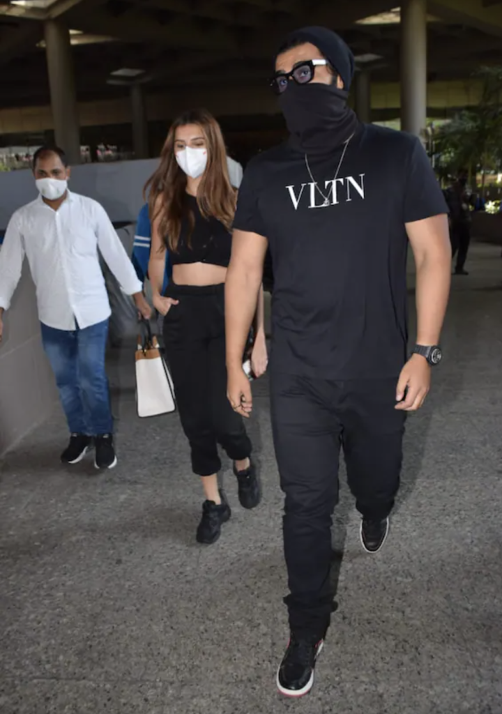 Not Malaika Arora but Arjun Kapoor spotted at the airport with this hot actress