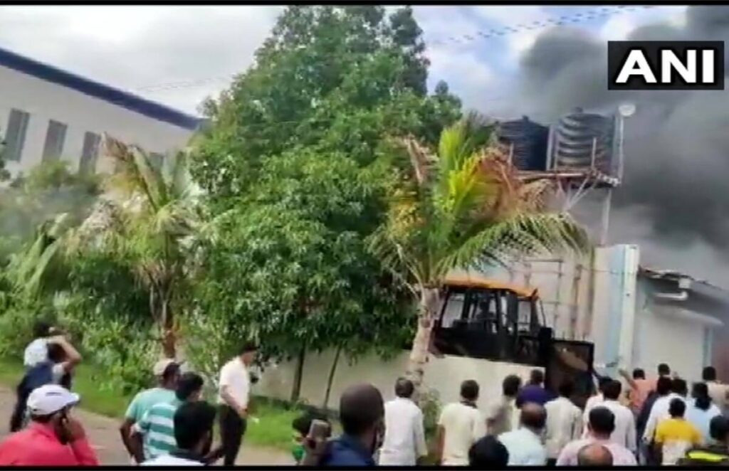 17 including woman killed in fire at Pune's chemical factory