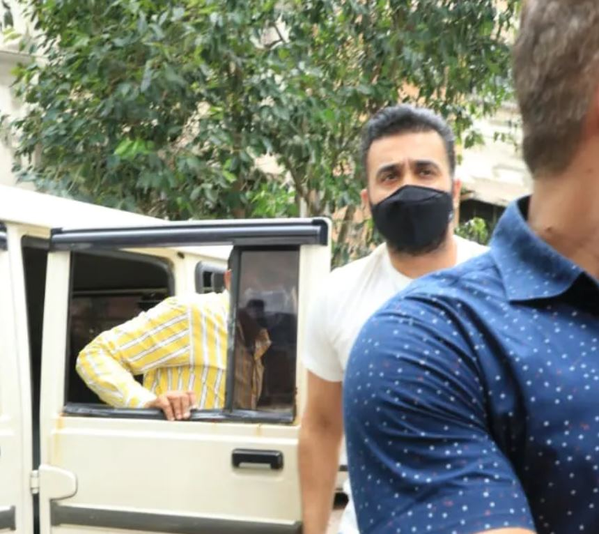 Photos of Raj Kundra surfaced after his arrest, see here…